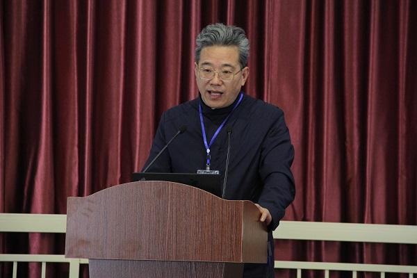 监事会主席史国栋教授作财务工作报告小图.jpg
